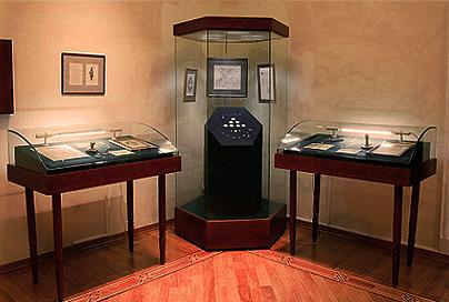Профессиональные музейные витрины для горизонтальной экспозиции — общие сведения и стандартные характеристики