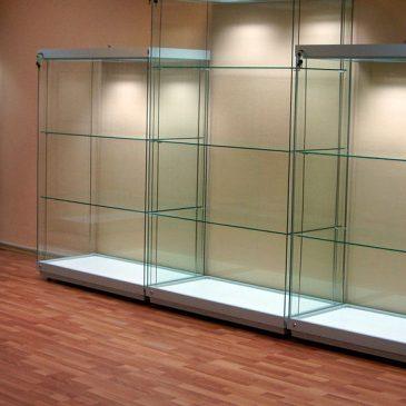 Профессиональные музейные витрины полного видения для вертикальной экспозиции – общие сведения и стандартные характеристики